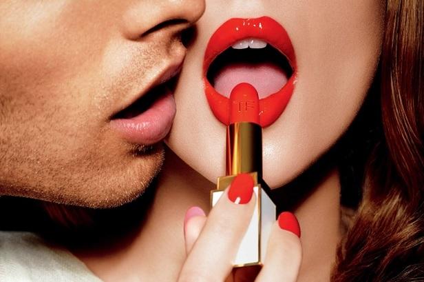Labios-rojos-perfectos-durante-todo-el-dia-exfoliar-hidratar-labial-iluminador-corrector-humectar-1