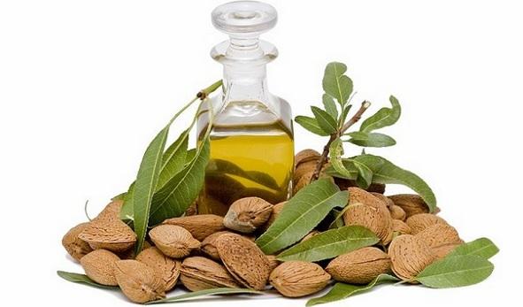 Aceite-de-almendras-y-sus-beneficios-para-la-salud-emoliente-lubricante-calmante-irritación-1