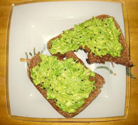 Desayunos-Saludables-y-Dietas-sanas-recetas-yogurt-avena-manzana-palta-pan-integral-stevia-natural-descremado-2