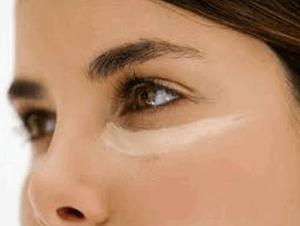 Maquillaje-natural-y-perfecto-Paso-a-paso-piel-natural-estilo-piel-ojos-1