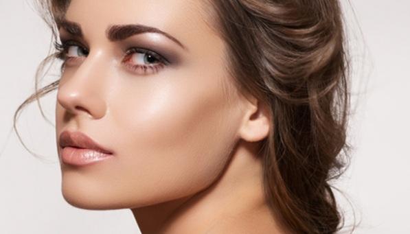 Tendencias-de-moda-Primavera-verano-2015-Ojos-labios-uñas-delineado-color-2