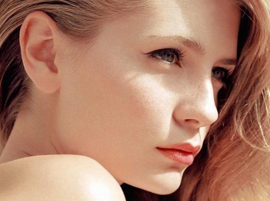 Tendencias-de-moda-Primavera-verano-2015-Ojos-labios-uñas-delineado-color-3