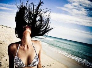 Tratamientos-para-el-cabello-durante-el-verano-pelo-cuidados-verano-mascarillas-sol-1