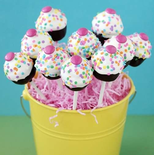 Cake Pops-Receta-echa-paso-a-paso-para-las-fiestas-cake-pops-postre-chocolate-dulces-3