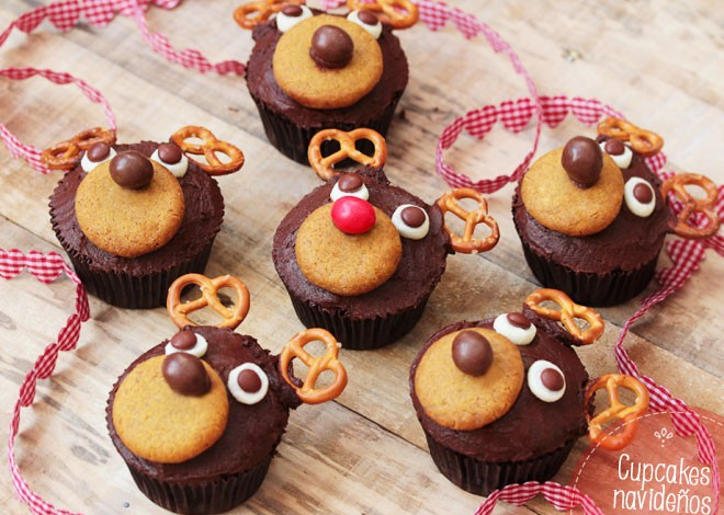 Cupcakes de chocolate para la mesa dulce de navidad - Mesas dulces de navidad ...