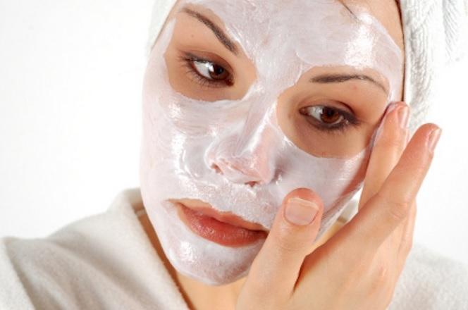 Poros-abiertos-y-como-reducirlos-con-remedios-caseros-poros-abiertos-eliminar-mascarillas-de-almendras-papaya-suero-de-leche