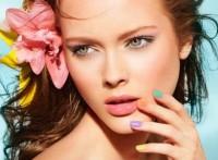 Tendencias-de-moda-Primavera-verano-2015-Ojos-labios-uñas-delineado-color-1