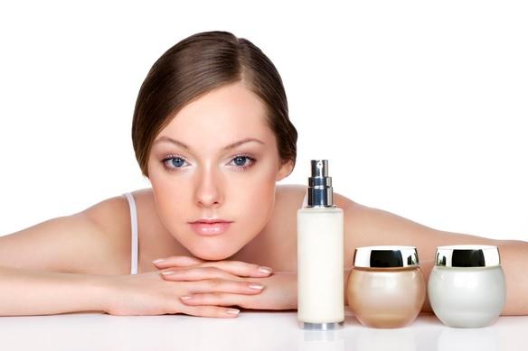 Las-mejores-cremas-para-el-rostro-Cremas-antiarrugas-o-con-manchas-Cuidado-de-la-piel-aclarante-antiarrugas-rostro-manchas-1
